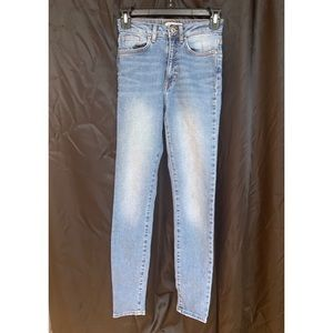 Forever 21 ; High waisted jeans
